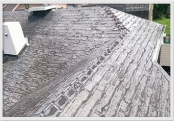 劣化と風雨により表面の石粒が完全に剥がれてしまった