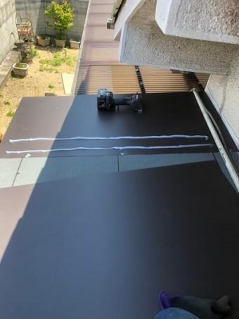 玄関庇ガルバリウム鋼板