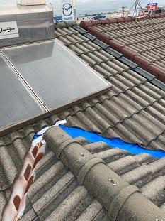 京田辺市で雨漏れ原因の穴の空いた谷板金交換の雨漏れ修理