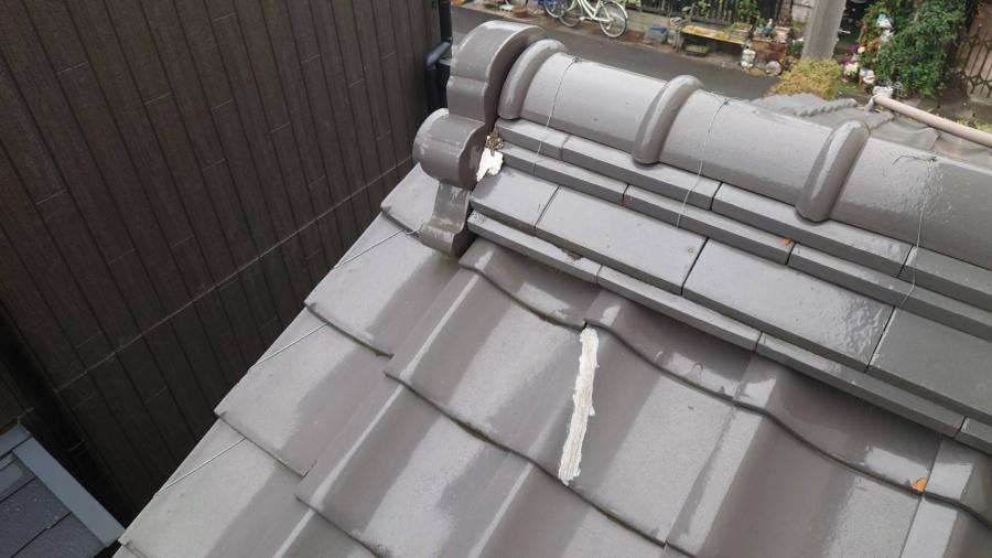 瓦のひび割れ補修