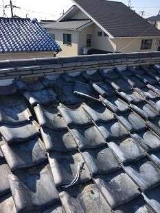 城陽市で経年劣化でズレた棟瓦のやり直し工事(7寸丸強化棟仕様)