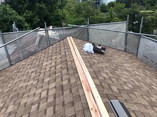城陽市で瓦屋根葺き替えリフォームに伴う仕上げ棟板金取付工事