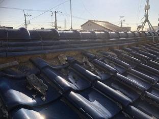 京田辺市で劣化した漆喰塗り替えと瓦ずれ直しとずれ防止の屋根修繕