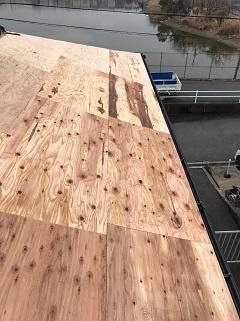 屋根合板材