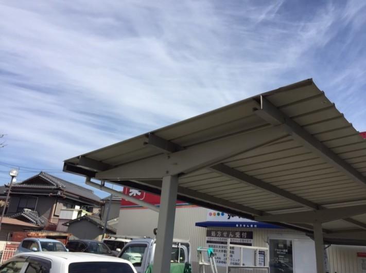 駐輪所屋根修理