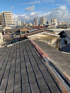 八幡市で錆びた棟板金をタフモック材を使用し棟板金交換の屋根修理