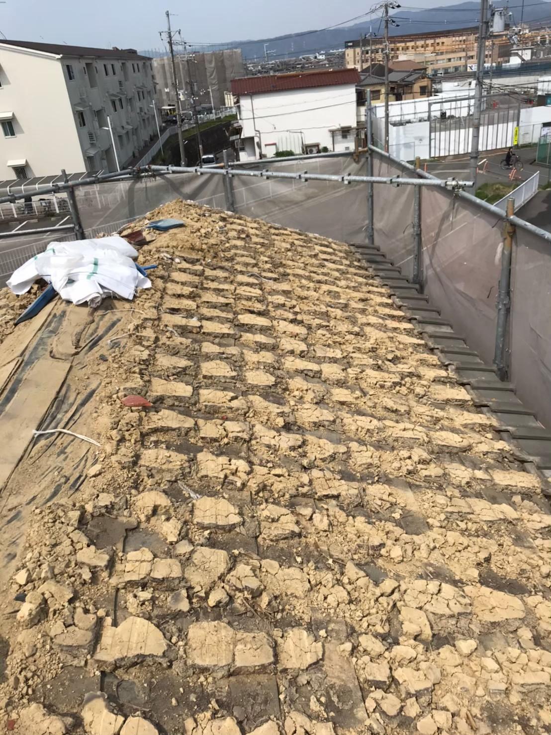 和瓦の葺き土