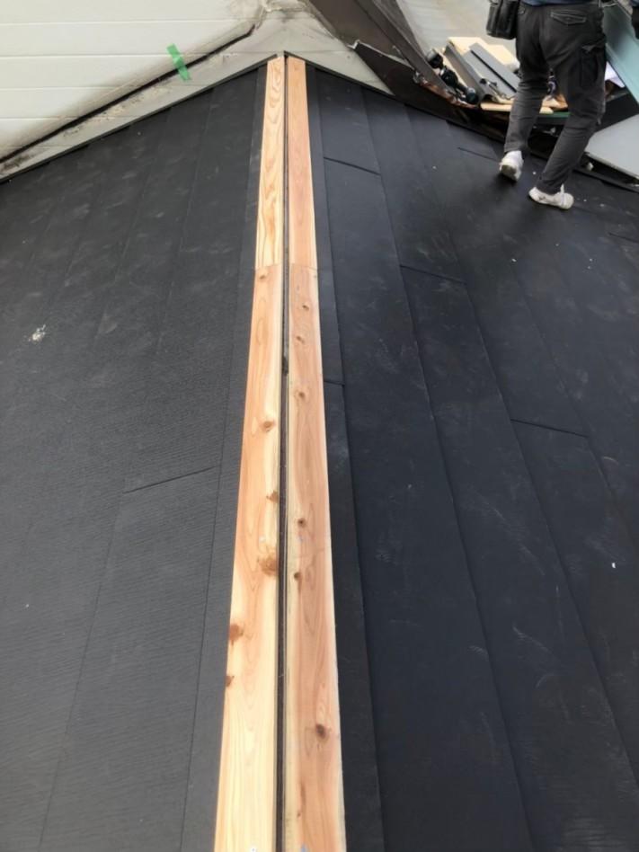 棟板金下地木材