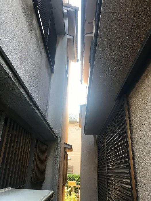 隣の住宅との隙間