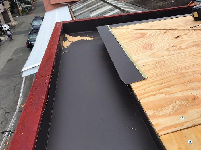 パラペット屋根構造用合板の唐草