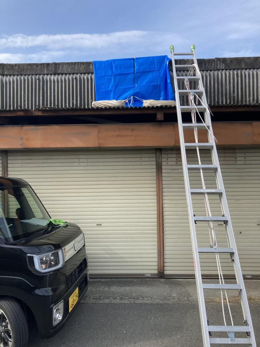 雨漏りしているガレージ屋根