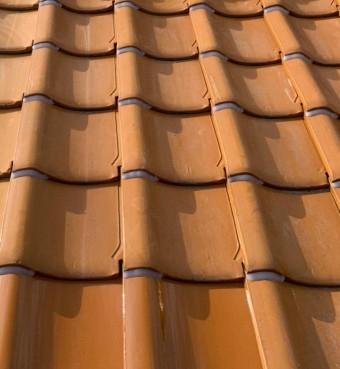 釉薬瓦屋根(オレンジ)地瓦ラバー