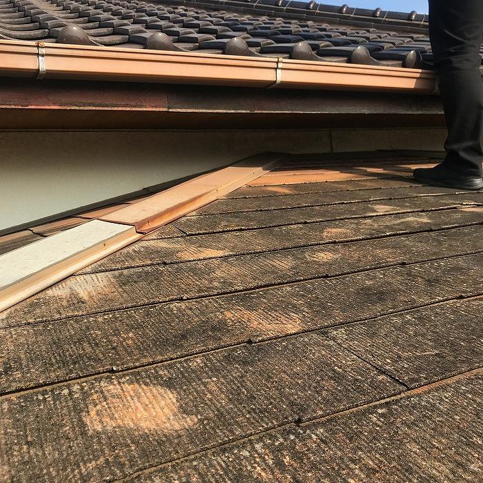 小屋根カラーベストと棟板金
