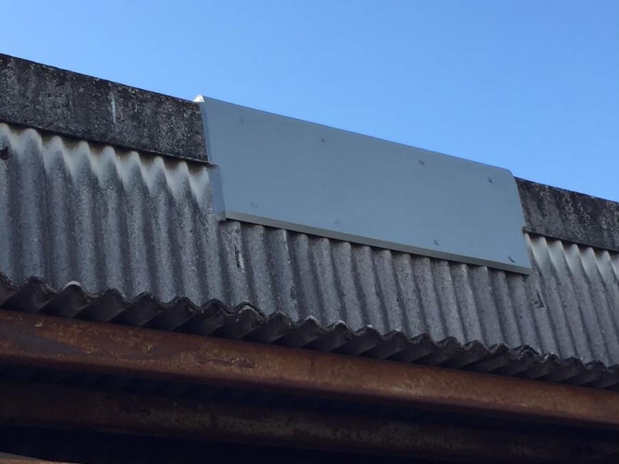 ガレージの屋根板金工事