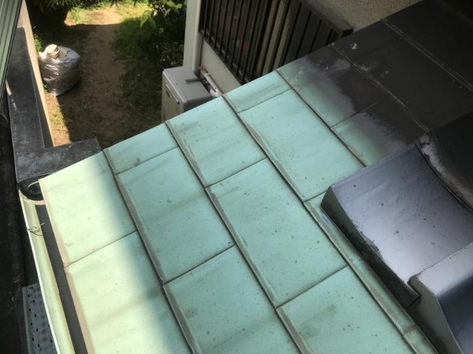 劣化した軒先の銅板